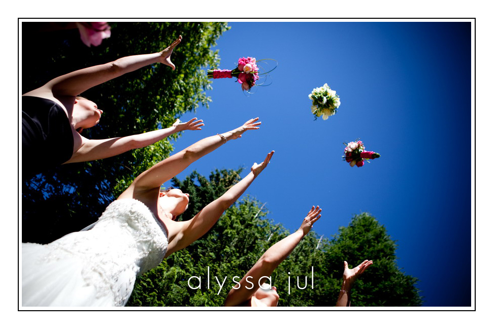 bouquet-toss